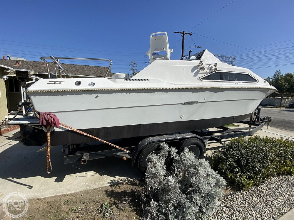 1982 Sea Ray boat for sale, model of the boat is 245 Sundancer & Image # 6 of 40