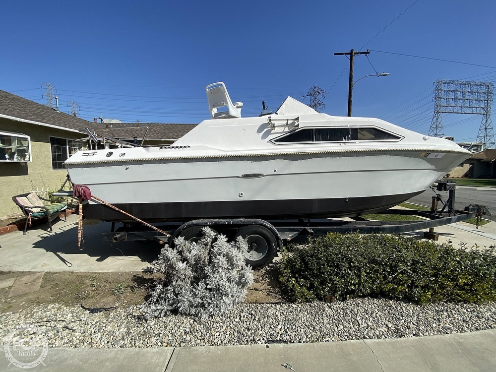 1982 Sea Ray boat for sale, model of the boat is 245 Sundancer & Image # 7 of 40