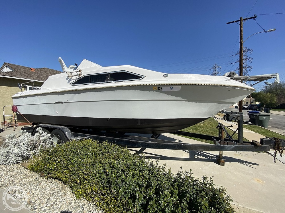 1982 Sea Ray boat for sale, model of the boat is 245 Sundancer & Image # 8 of 40