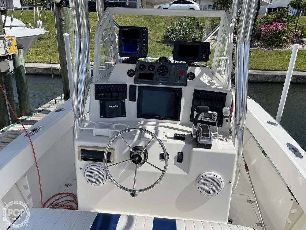 2003 Ocean Master boat for sale, model of the boat is 27 CC & Image # 9 of 40