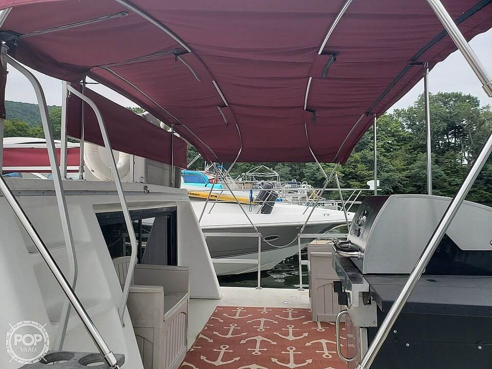 1997 Gibson boat for sale, model of the boat is 44 & Image # 2 of 41