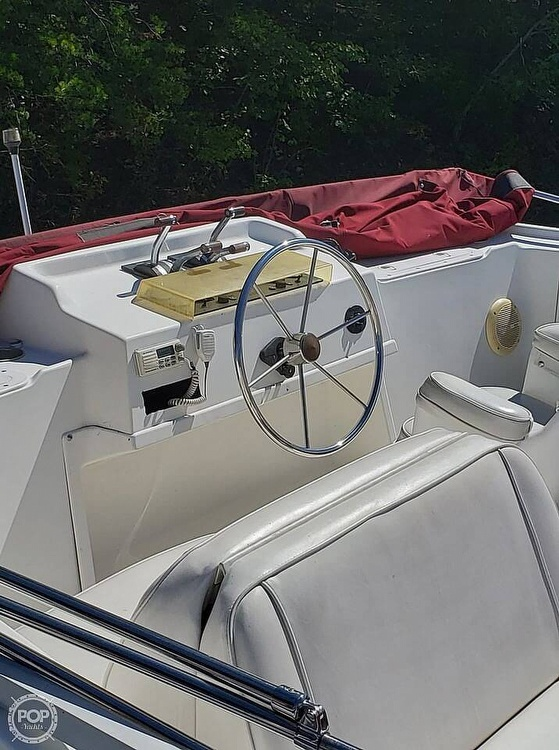 1997 Gibson boat for sale, model of the boat is 44 & Image # 14 of 41