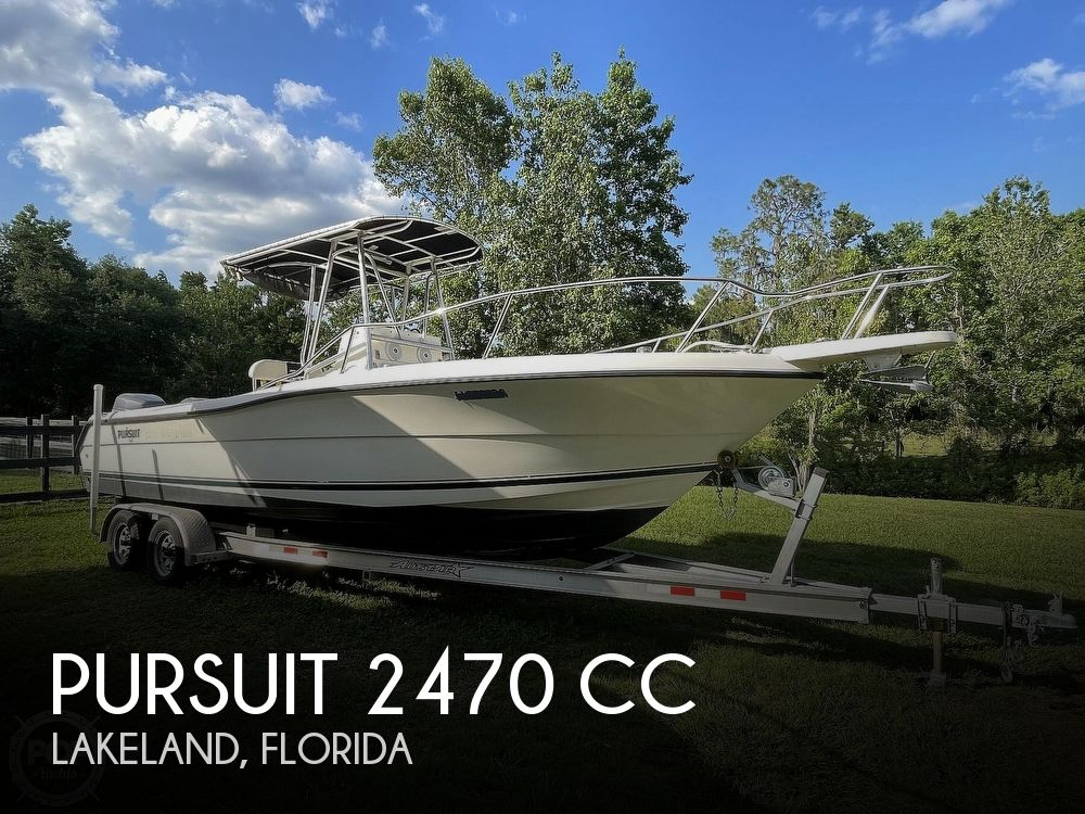 2000 Pursuit boat for sale, model of the boat is 2470 CC & Image # 1 of 40