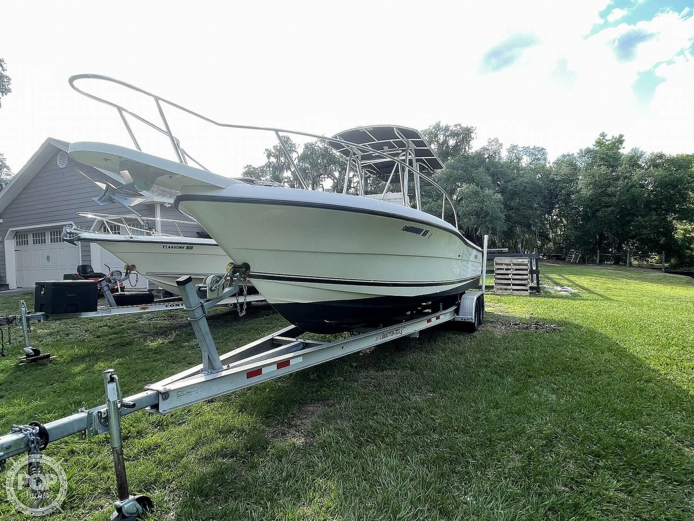 2000 Pursuit boat for sale, model of the boat is 2470 CC & Image # 13 of 40