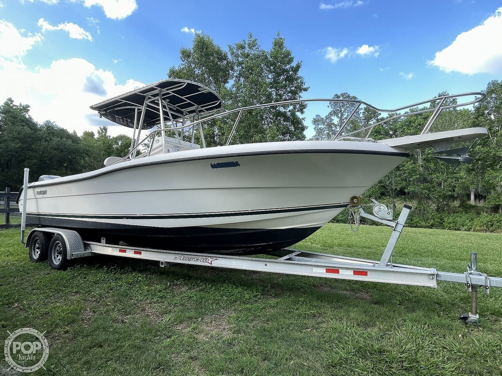 2000 Pursuit boat for sale, model of the boat is 2470 CC & Image # 15 of 40