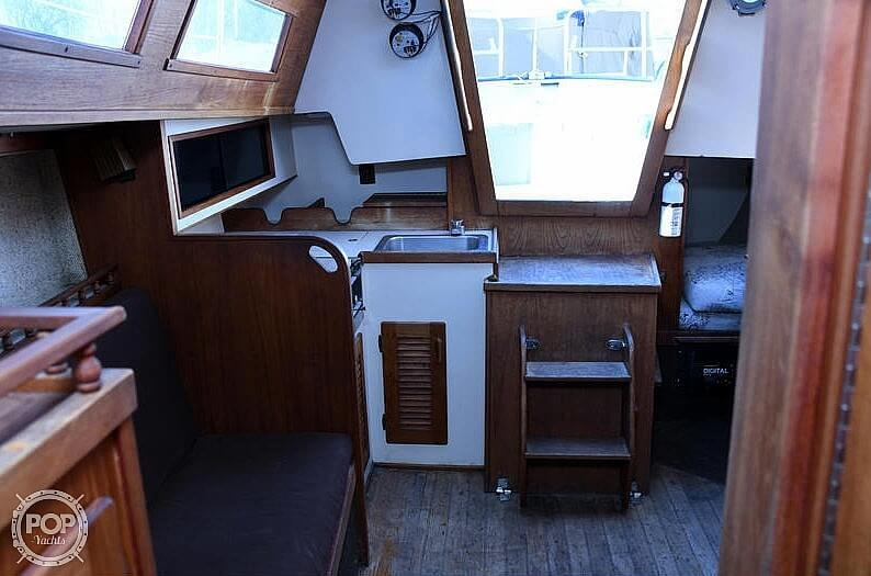1982 S2 Yachts boat for sale, model of the boat is 9.2A & Image # 11 of 40