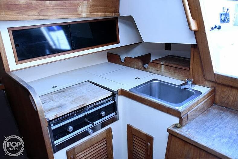 1982 S2 Yachts boat for sale, model of the boat is 9.2A & Image # 12 of 40