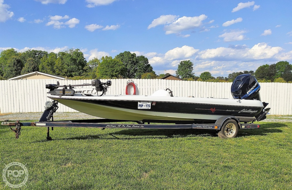 1992 Challenger boat for sale, model of the boat is 198 Pro Bass Radical One & Image # 3 of 40