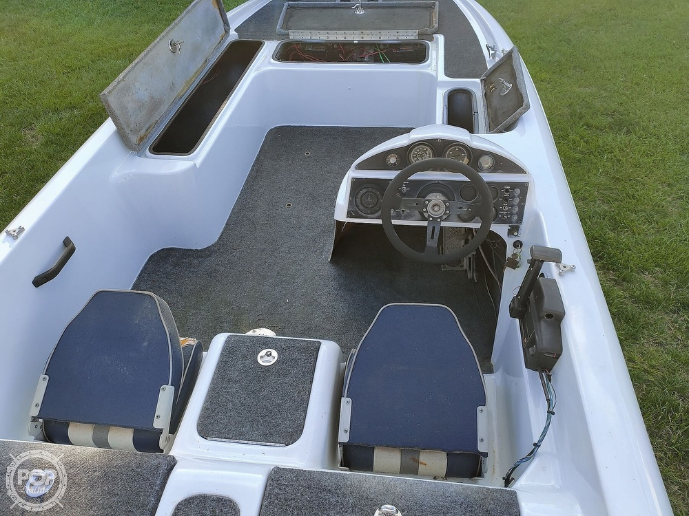 1992 Challenger boat for sale, model of the boat is 198 Pro Bass Radical One & Image # 16 of 40