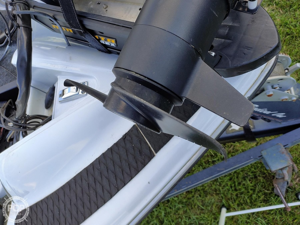 1992 Challenger boat for sale, model of the boat is 198 Pro Bass Radical One & Image # 19 of 40