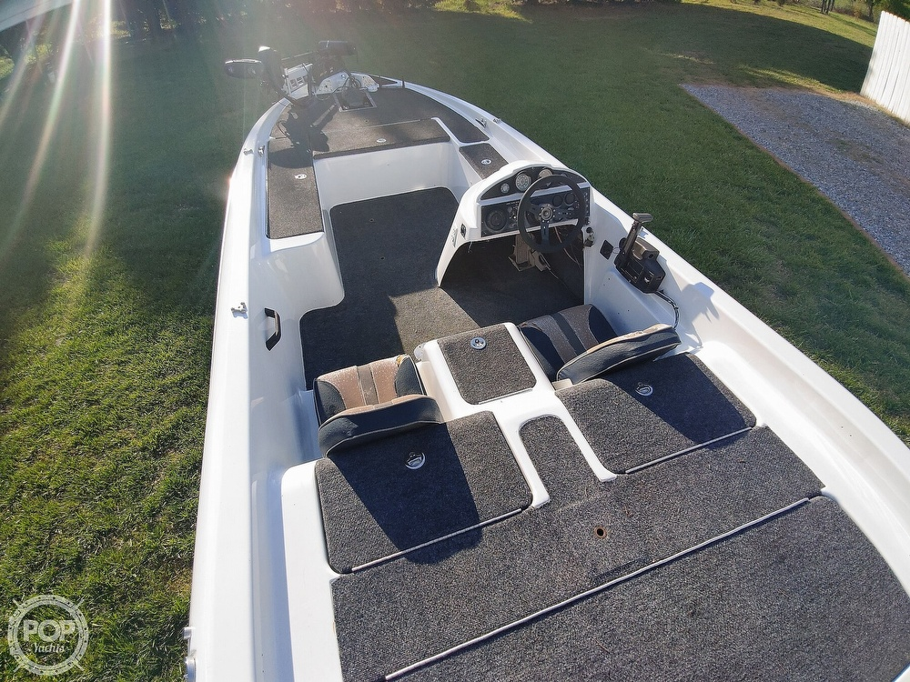 1992 Challenger boat for sale, model of the boat is 198 Pro Bass Radical One & Image # 12 of 40