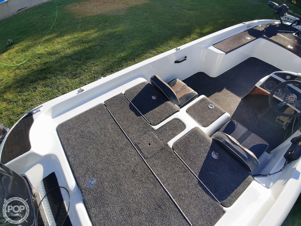 1992 Challenger boat for sale, model of the boat is 198 Pro Bass Radical One & Image # 22 of 40