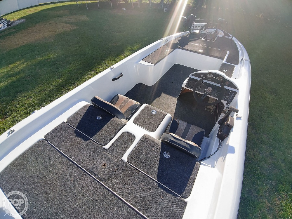 1992 Challenger boat for sale, model of the boat is 198 Pro Bass Radical One & Image # 23 of 40