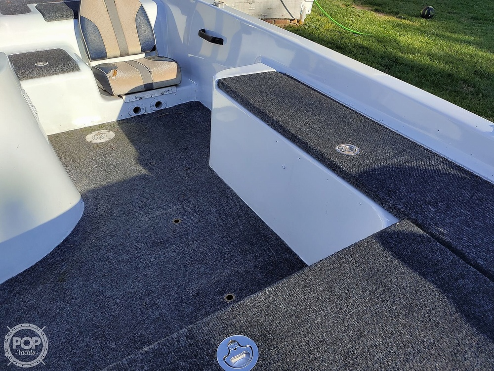 1992 Challenger boat for sale, model of the boat is 198 Pro Bass Radical One & Image # 24 of 40