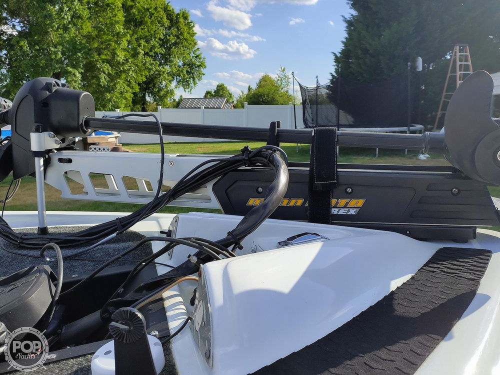 1992 Challenger boat for sale, model of the boat is 198 Pro Bass Radical One & Image # 36 of 40