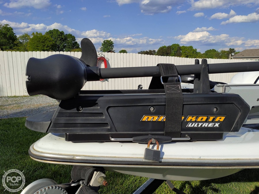 1992 Challenger boat for sale, model of the boat is 198 Pro Bass Radical One & Image # 37 of 40