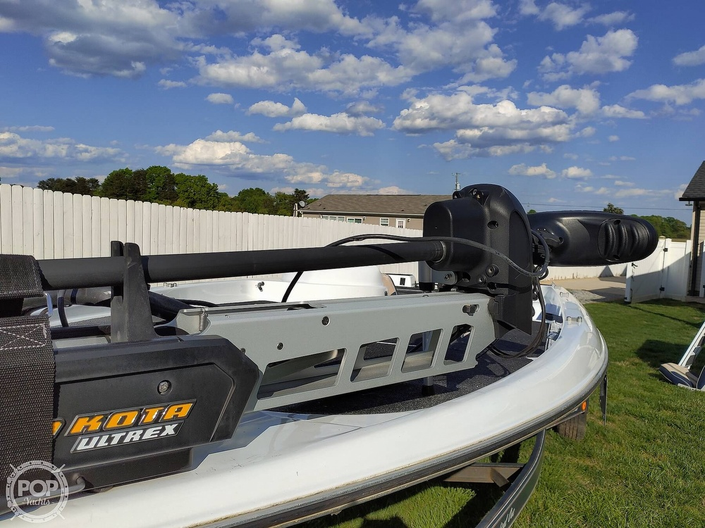 1992 Challenger boat for sale, model of the boat is 198 Pro Bass Radical One & Image # 13 of 40