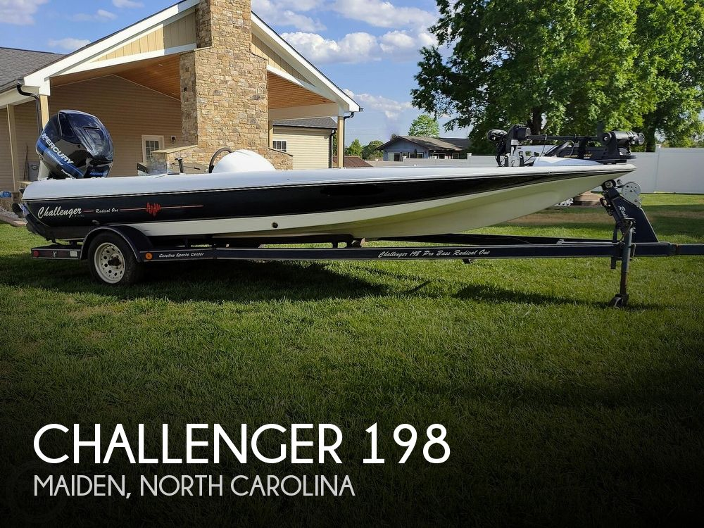 1992 Challenger boat for sale, model of the boat is 198 Pro Bass Radical One & Image # 1 of 40