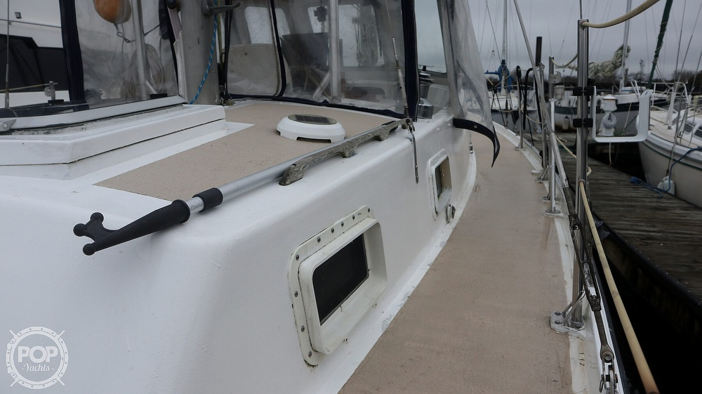 1974 Gulfstar boat for sale, model of the boat is 41 & Image # 26 of 40