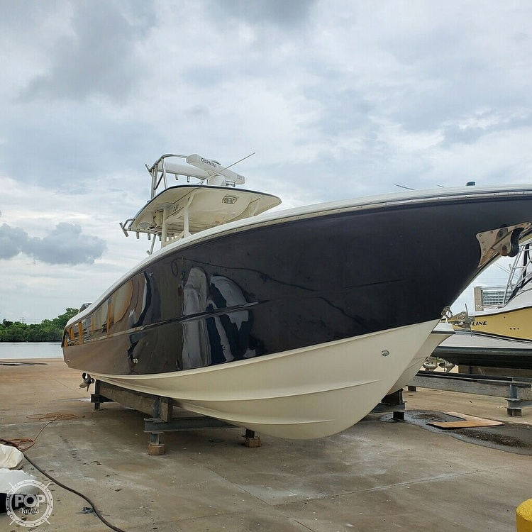 2009 Triton boat for sale, model of the boat is 351 & Image # 2 of 40