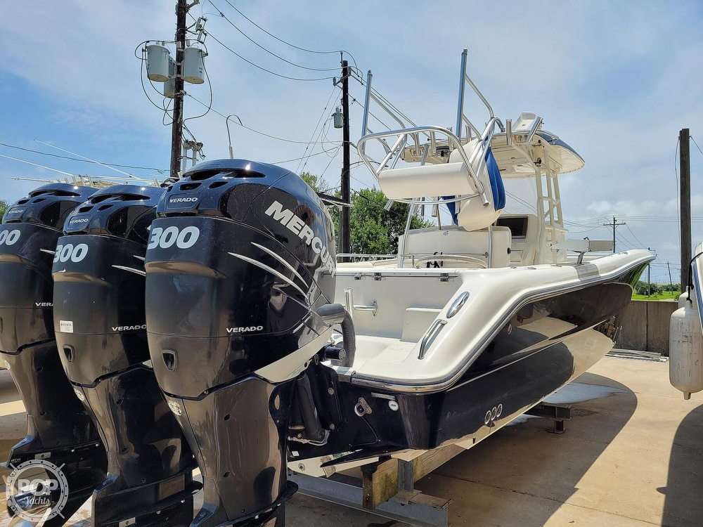 2009 Triton boat for sale, model of the boat is 351 & Image # 22 of 40