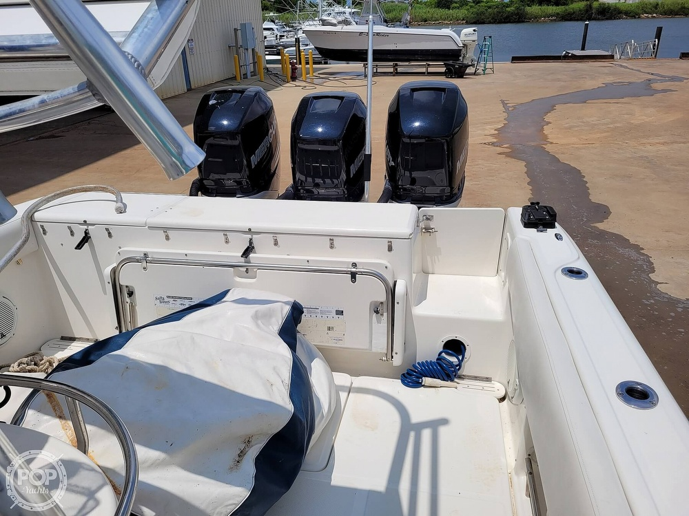 2009 Triton boat for sale, model of the boat is 351 & Image # 4 of 40