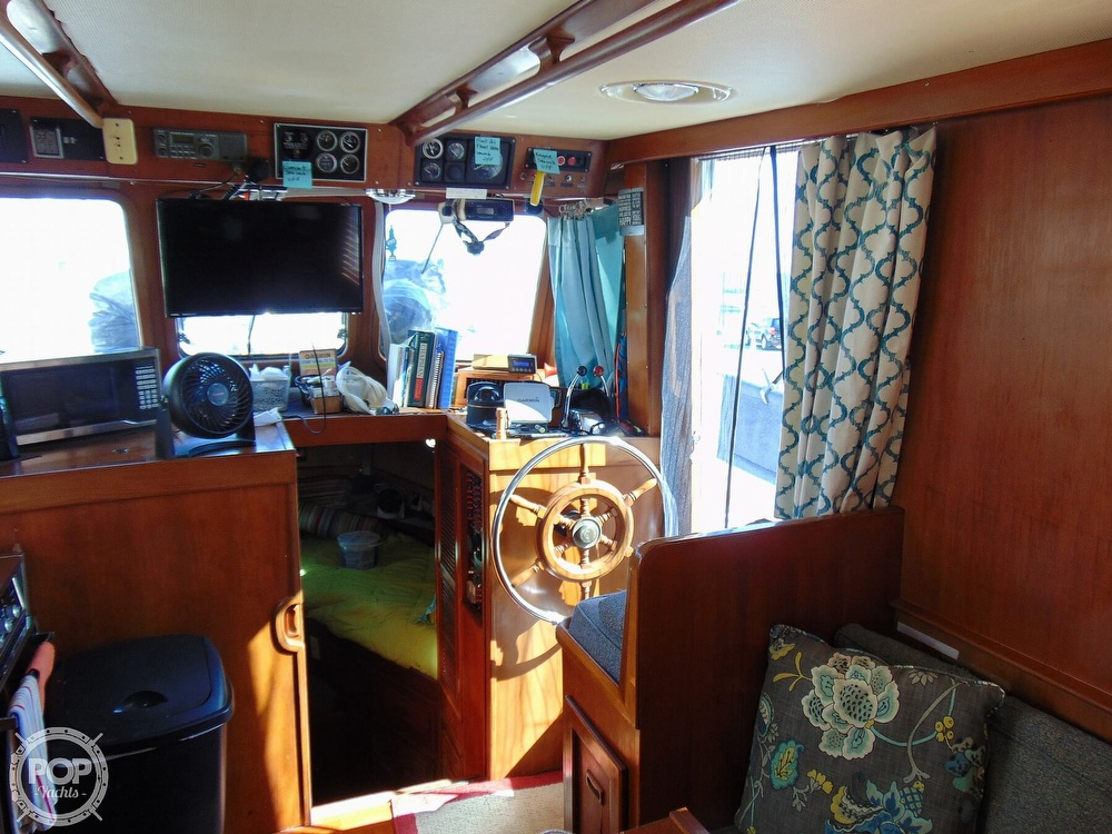 1987 CHB boat for sale, model of the boat is 34 Tri-Cabin & Image # 36 of 40