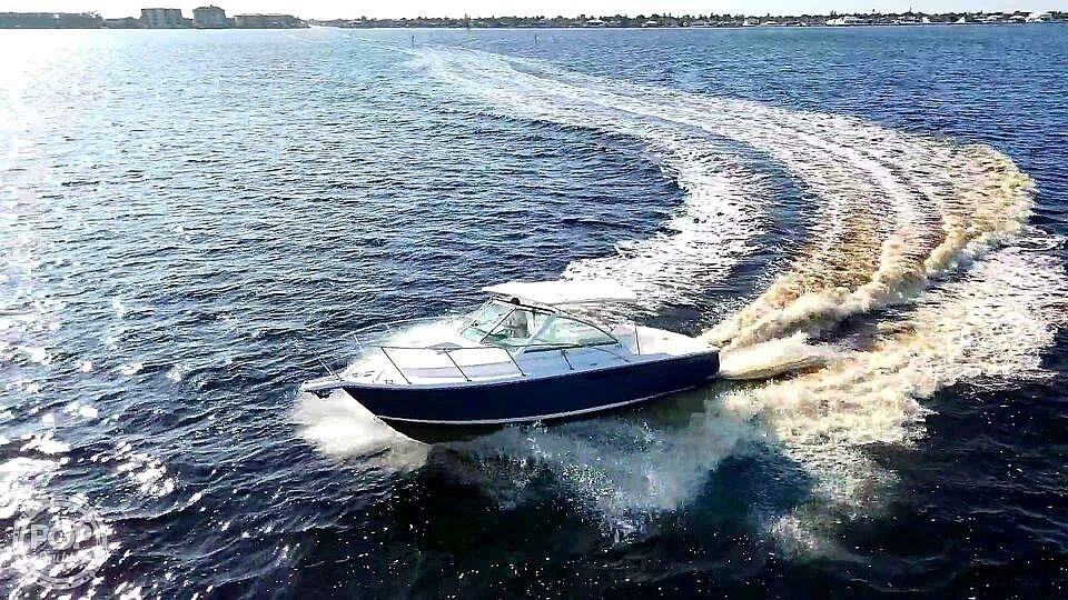 2000 Tiara Yachts boat for sale, model of the boat is 2900 Coronet & Image # 2 of 40
