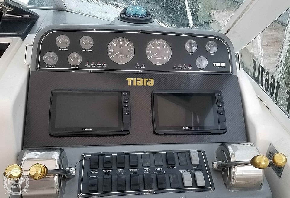 2000 Tiara Yachts boat for sale, model of the boat is 2900 Coronet & Image # 7 of 40