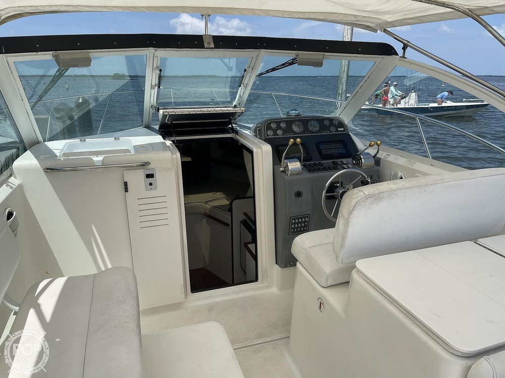 2000 Tiara Yachts boat for sale, model of the boat is 2900 Coronet & Image # 28 of 40