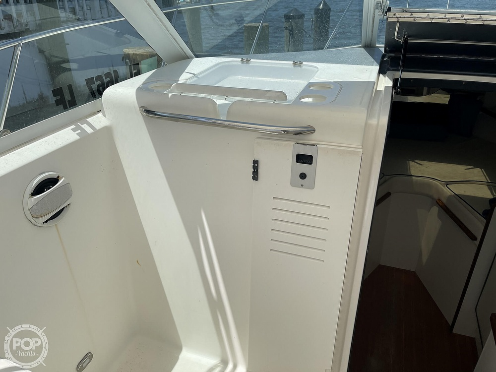 2000 Tiara Yachts boat for sale, model of the boat is 2900 Coronet & Image # 37 of 40