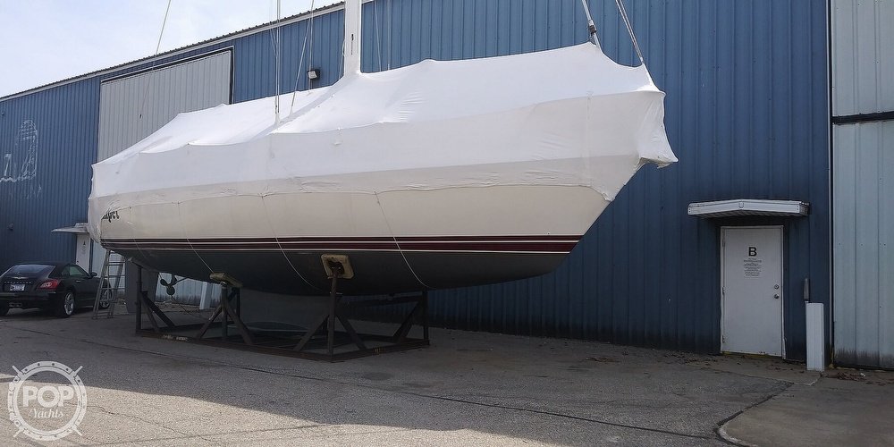 1989 Catalina Yachts boat for sale, model of the boat is 42 Wing Keel & Image # 10 of 40