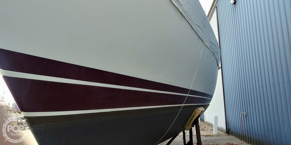 1989 Catalina Yachts boat for sale, model of the boat is 42 Wing Keel & Image # 19 of 40