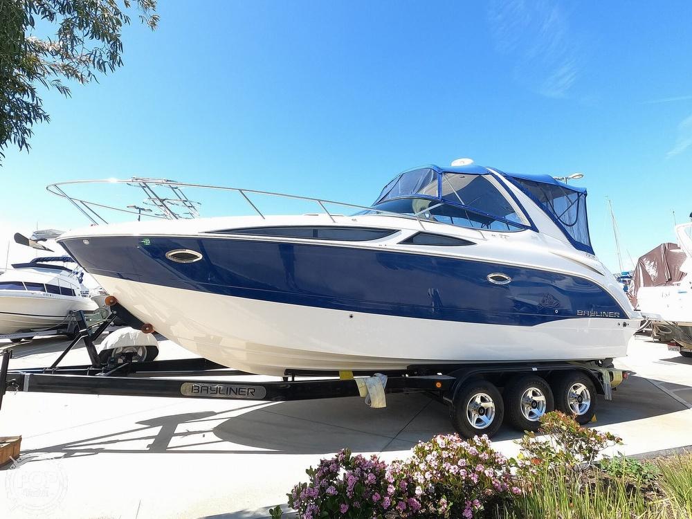 2011 Bayliner boat for sale, model of the boat is 315 Cruiser & Image # 2 of 40