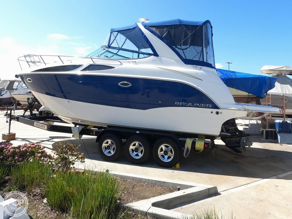 2011 Bayliner boat for sale, model of the boat is 315 Cruiser & Image # 5 of 40