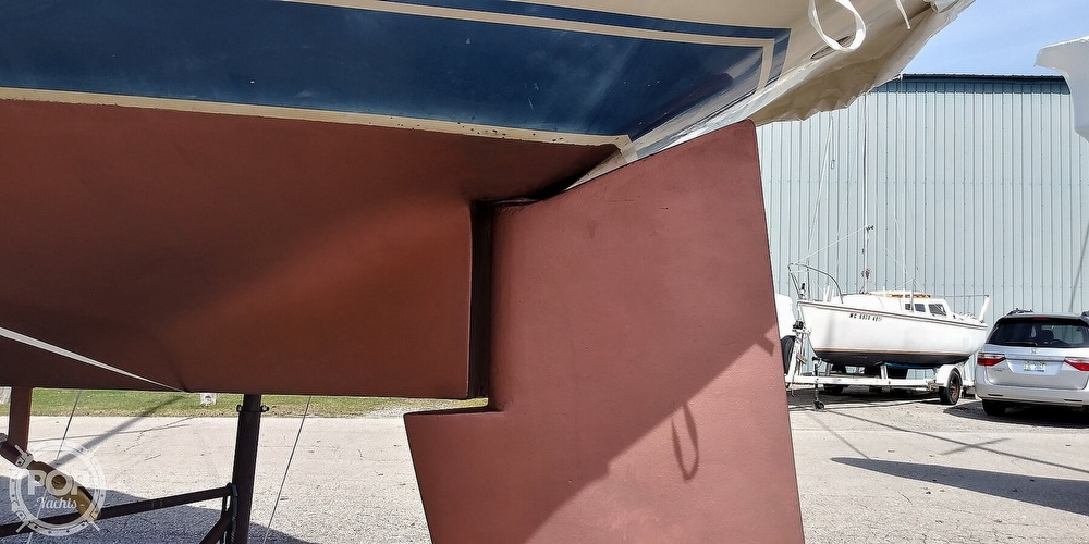 1984 Catalina Yachts boat for sale, model of the boat is 30 & Image # 21 of 40