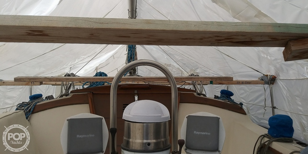 1984 Catalina Yachts boat for sale, model of the boat is 30 & Image # 25 of 40