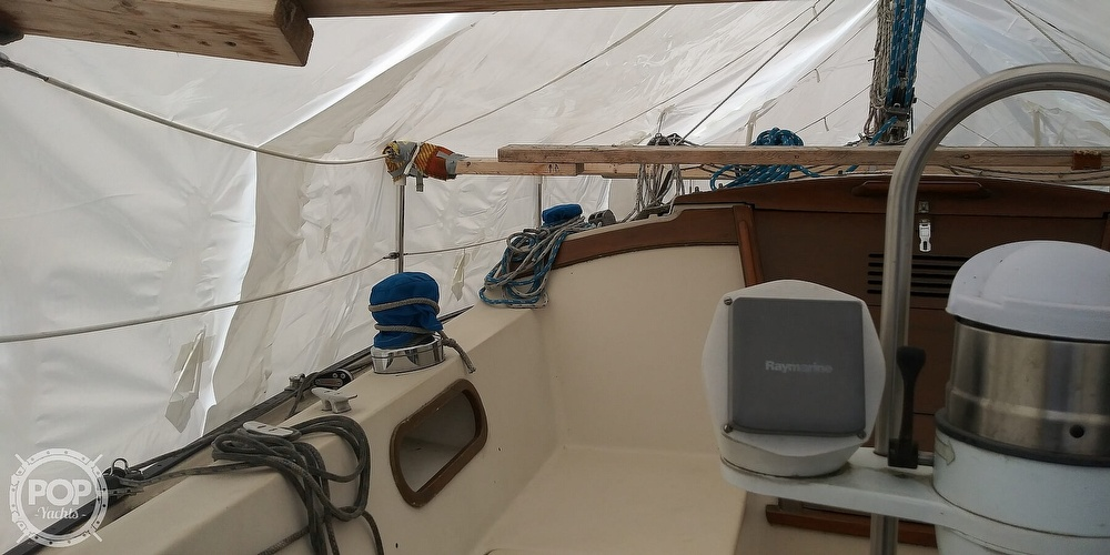 1984 Catalina Yachts boat for sale, model of the boat is 30 & Image # 27 of 40
