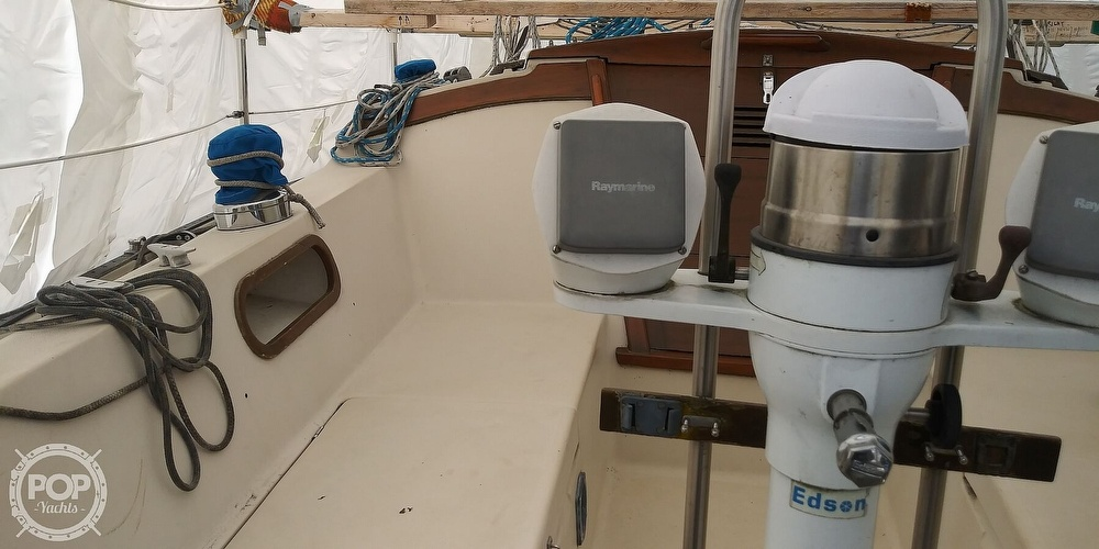 1984 Catalina Yachts boat for sale, model of the boat is 30 & Image # 29 of 40