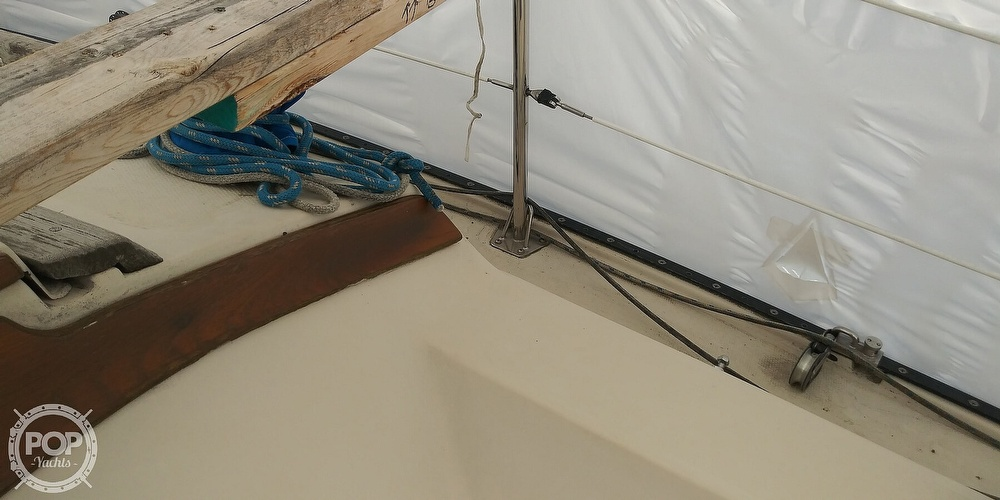1984 Catalina Yachts boat for sale, model of the boat is 30 & Image # 36 of 40