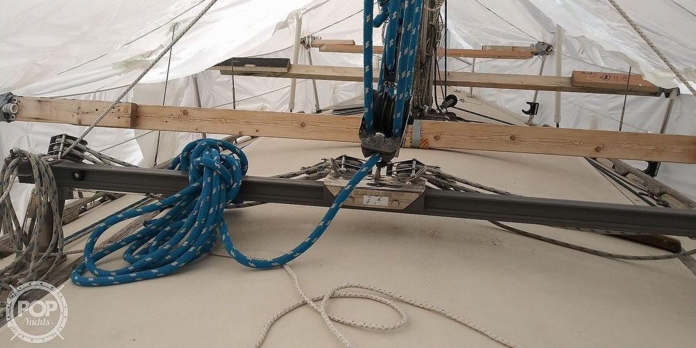 1984 Catalina Yachts boat for sale, model of the boat is 30 & Image # 39 of 40