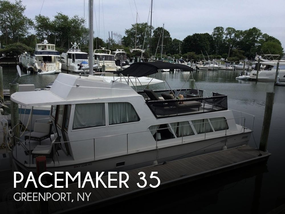 Used Houseboats For Sale in New York by owner | 1971 Pacemaker 35