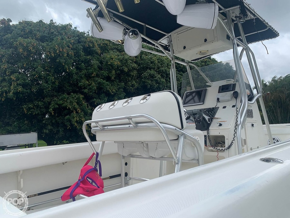 2005 Hydra-Sports boat for sale, model of the boat is Vector 2400CC & Image # 7 of 40