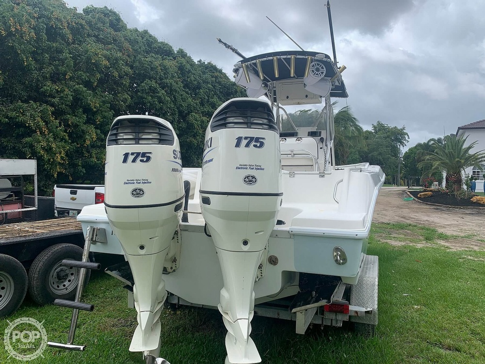 2005 Hydra-Sports boat for sale, model of the boat is Vector 2400CC & Image # 10 of 40