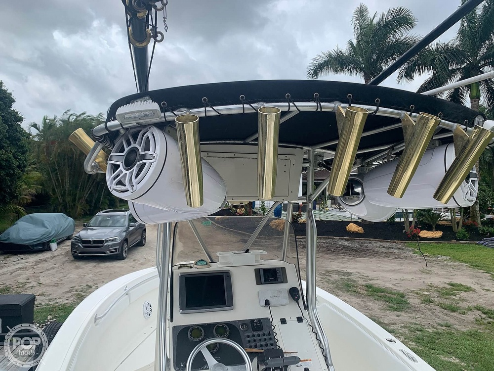 2005 Hydra-Sports boat for sale, model of the boat is Vector 2400CC & Image # 13 of 40