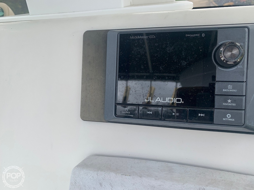 2005 Hydra-Sports boat for sale, model of the boat is Vector 2400CC & Image # 15 of 40