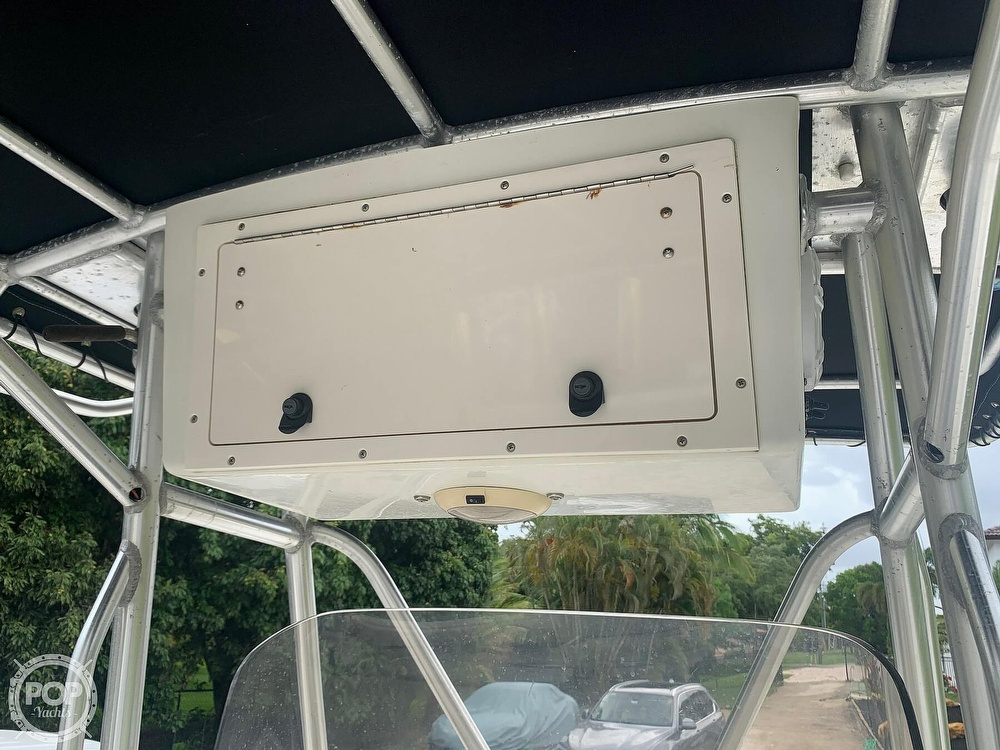 2005 Hydra-Sports boat for sale, model of the boat is Vector 2400CC & Image # 21 of 40