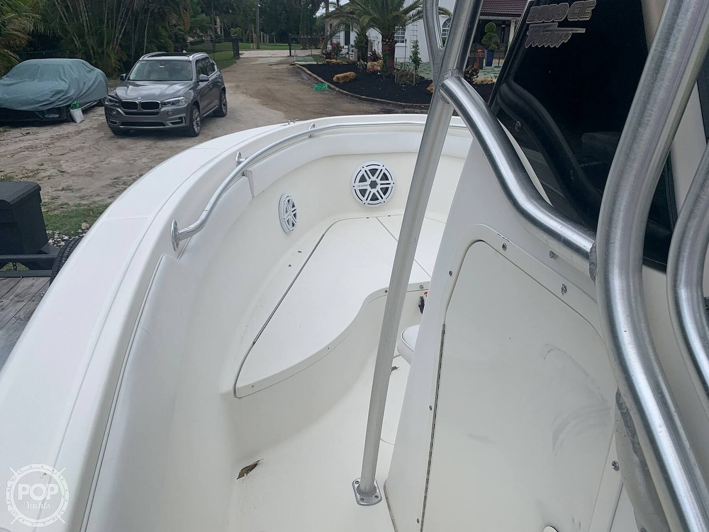 2005 Hydra-Sports boat for sale, model of the boat is Vector 2400CC & Image # 23 of 40