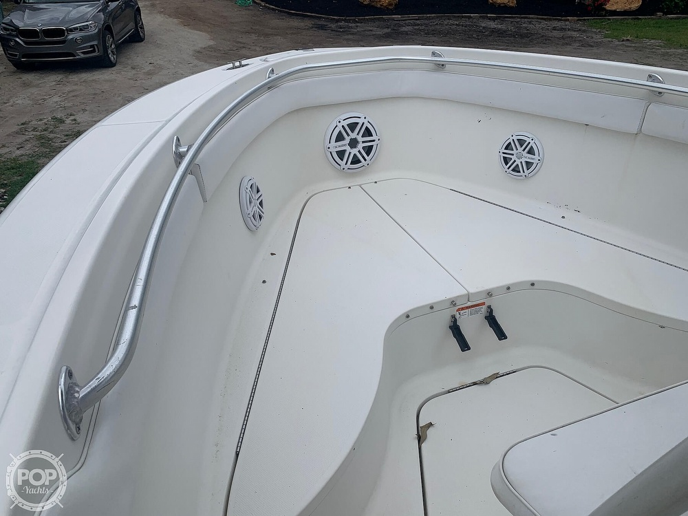 2005 Hydra-Sports boat for sale, model of the boat is Vector 2400CC & Image # 26 of 40
