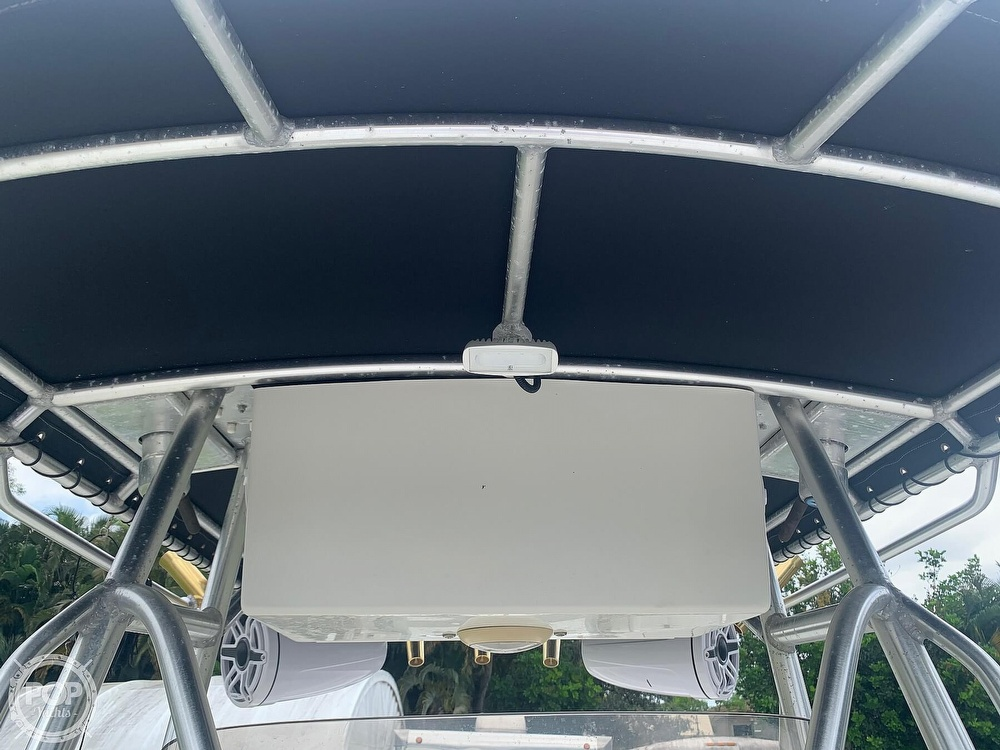 2005 Hydra-Sports boat for sale, model of the boat is Vector 2400CC & Image # 33 of 40